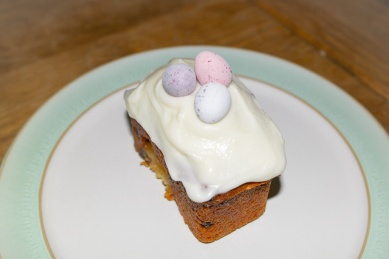 Mini Easter Simnel Cakes