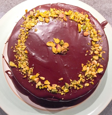 Pistachio and dark chocolate cake